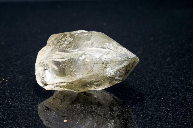 ヒマラヤ水晶 ラパ産水晶ポイント ガネーシュヒマール ゴールデンヒーラー・レインボー水晶